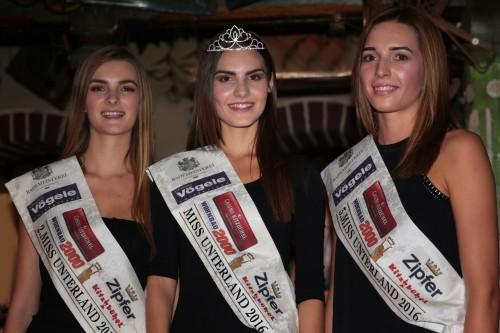 2. Victoria Neumayr, Siegerin Daniela Kuperion, 3. Julia Margreiter Foto. Martin Hirtreiter