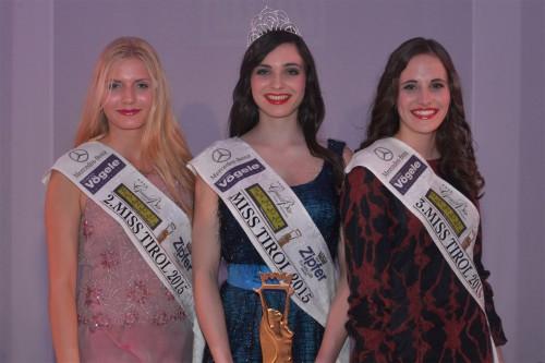 v.l.n.r. Vize Miss Tirol Ricarda Stengg, Miss Tirol 2015 Melissa Finkele, 3. Sophia Keck, Foto: Fritz Mitterer